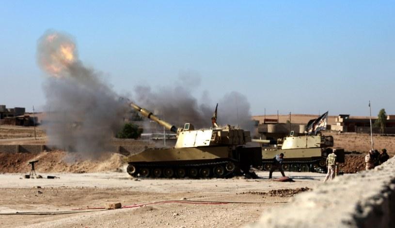 Walki w pobliżu Mosulu /PAP/EPA