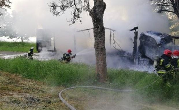 Warmińsko-mazurskie: 6 osób w szpitalach po zderzeniu autobusu z ciężarówką