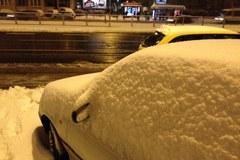 Warszawa budzi się zasypana śniegiem