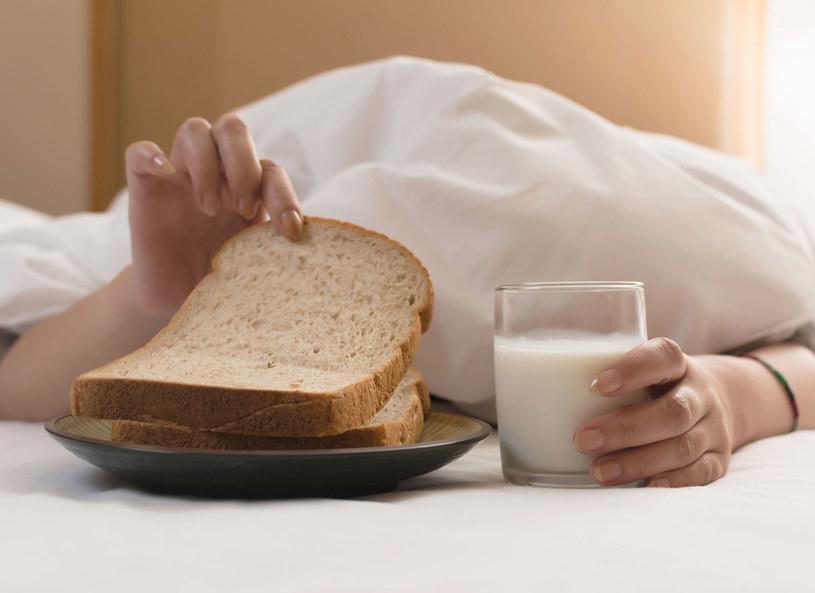 Warto jeść produkty pełnoziarniste /©123RF/PICSEL