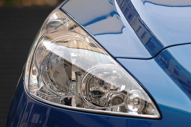 Warto montować światła dziennie? Czy ksenony się reguluje? /