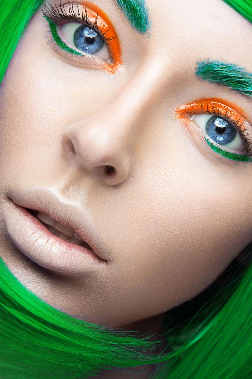 Warto zainwestować w kurs makijażu /Picsel /123RF/PICSEL