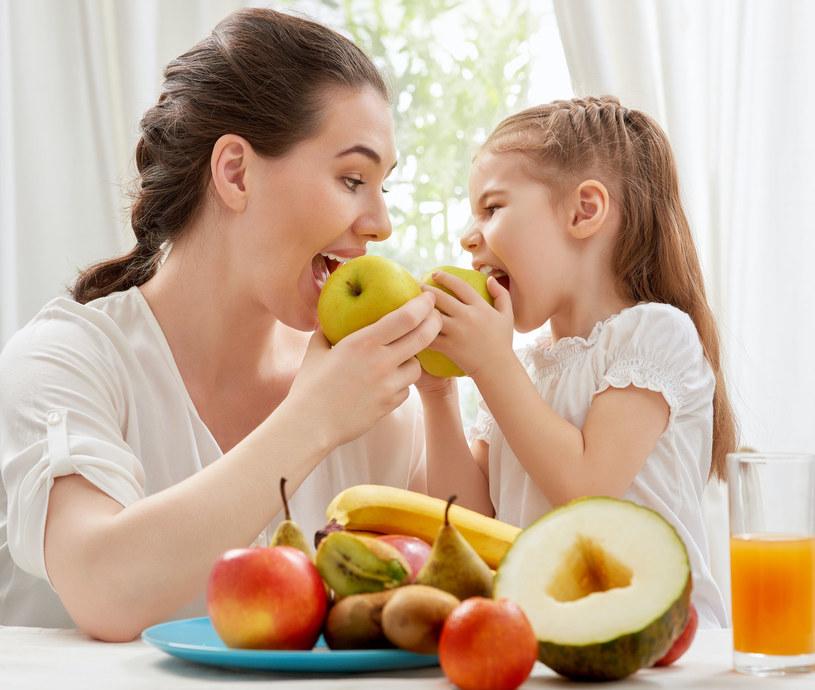 Warzywa i owoce to produkty, które na stałe powinny zagościć w naszym menu /©123RF/PICSEL