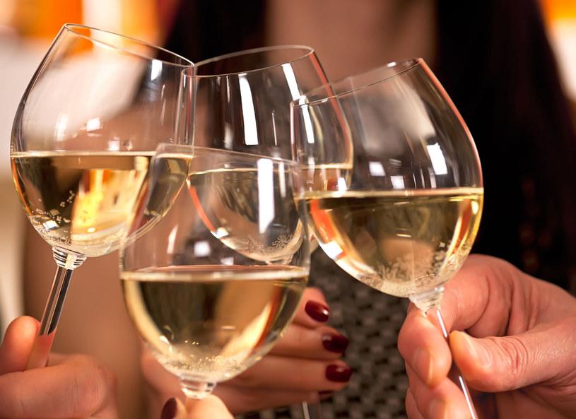 Watroba produkuje hormon, który zmniejsza ochotę na alkohol /123RF/PICSEL
