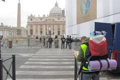 Watykan dzień przed beatyfikacją Jana Pawła II