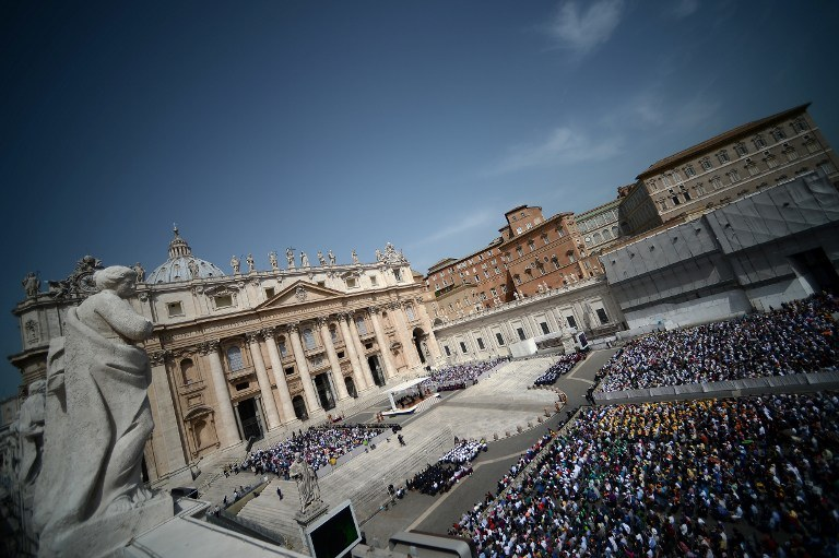 Watykan rozesłał do biskupów na całym świecie dokument z 38 pytaniami /AFP