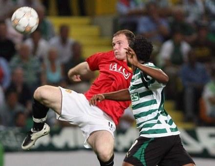 Wayne Rooney w meczu Ligi Mistrzów ze Sportingiem Lizbona /AFP