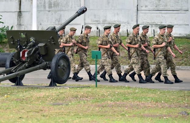 Wciąż nie doszło do ogłoszonych pół roku temu szkoleń ukraińskich podoficerów (zdjęcie ilustracyjne) fot. Sergei Supinsky /AFP