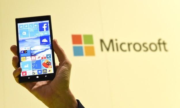 Wciąż nie wiemy, kiedy zadebiutuje Windows 10 Mobile /AFP