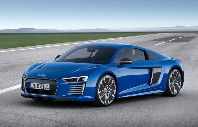 Wcześniejsza próba zainteresowania klientów sportowym samochodem elektrycznym, w postaci Audi R8 e-tron, okazała się fiaskiem /