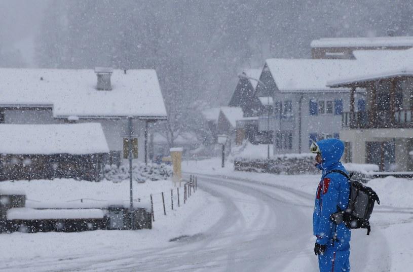 We wschodnim Tyrolu śnieżyce odcięły od świata kilka miejscowości /AFP
