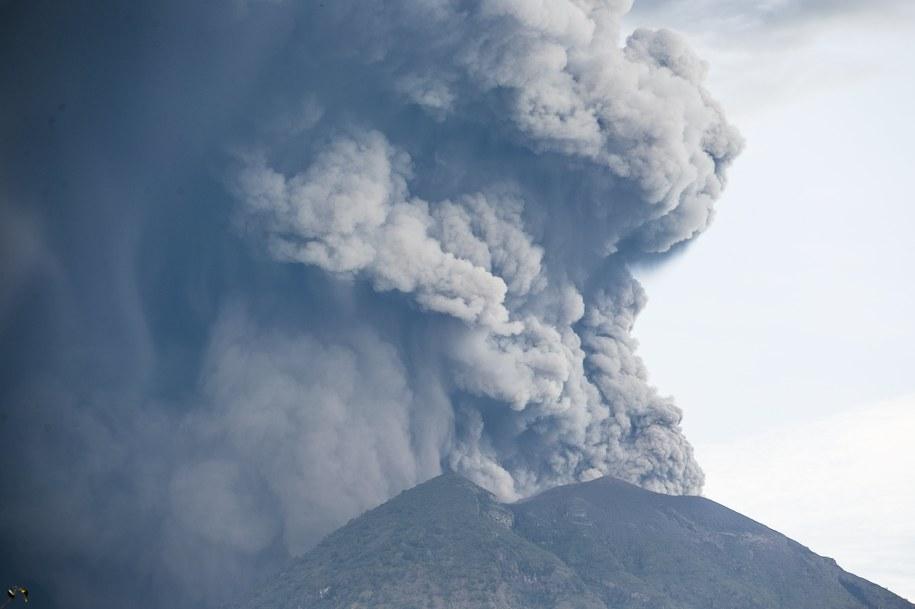 We wtorek Agung znowu dał o sobie znać /MADE NAGI    /PAP/EPA