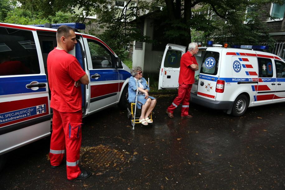 We wtorek ewakuowano ponad 2,7 tys. osób w całej Polsce /Tomasz Gzell /PAP