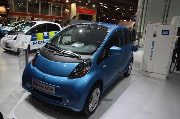 Według danych fabrycznych samochód ma rozpędzać się do 130 km/h /INTERIA.PL