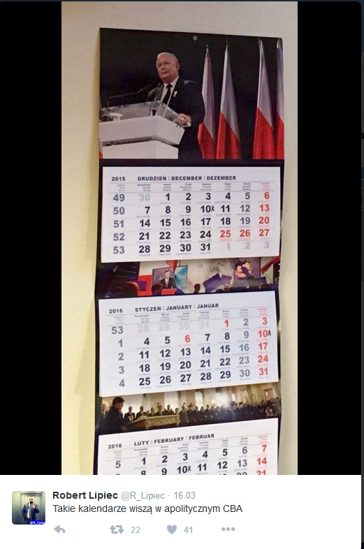 Według użytkownika Twittera tkie kalendarze wiszą w biurach CBA /Twitter
