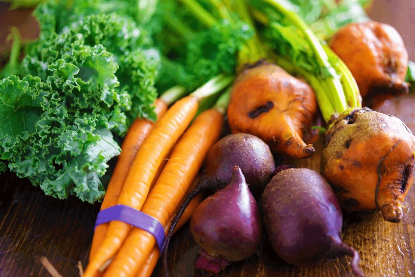 Według zasad zdrowego żywienia, każdy powinien zjeść 5 porcji warzyw w ciągu dnia /©123RF/PICSEL