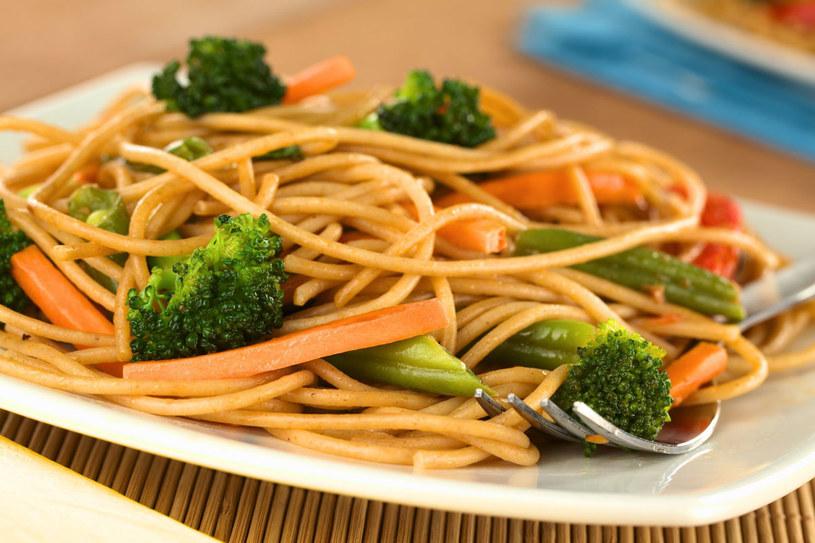 Węglowodany powinny stanowić około połowy naszej diety /123RF/PICSEL