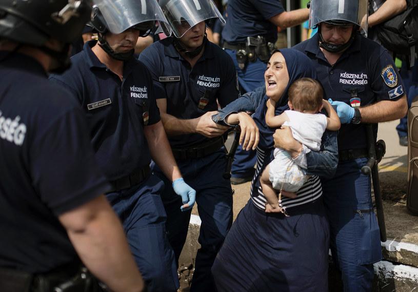 Węgry chcą wprowadzić stan wyjątkowy /AFP