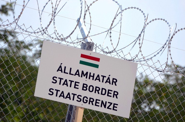 Węgry na swojej granicy postawiły ogrodzenie, nie chcą imigrantów /AFP