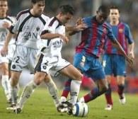 Wejscie na boisko Samuela Eto'o w 74. minucie nie pomogło Barcelonie /AFP