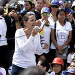 Wenezuela na kolanach. Prześladowania i masowy exodus