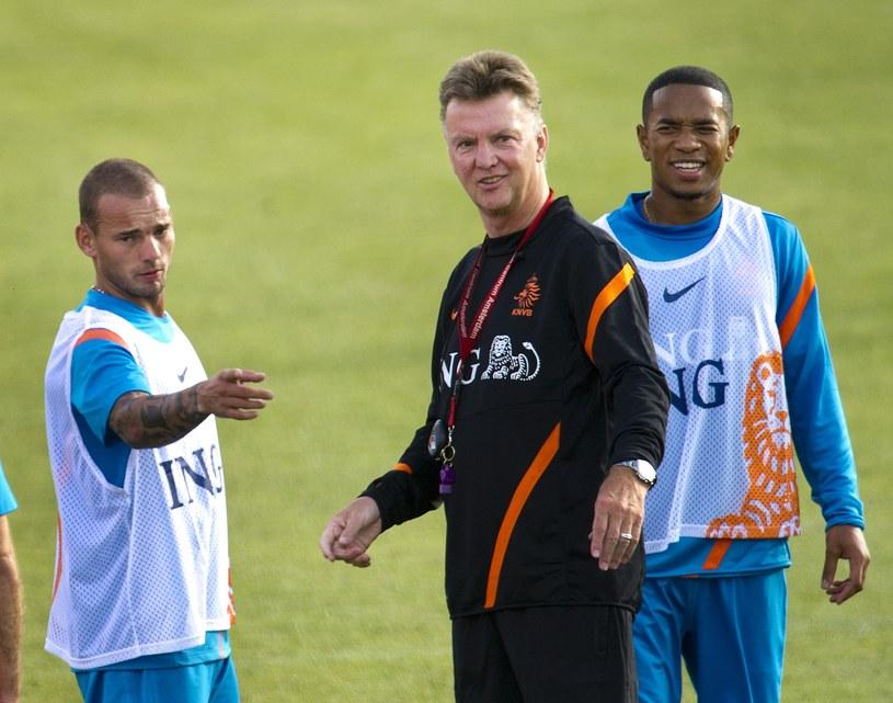 Wesley Sneijder (pierwszy z lewej) /AFP