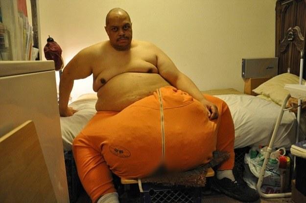 Wesley Warren Jr. miał 70-kilogramową narośl na jądrach. Przez 4 lata nikt nie chciał mu pomóc /YouTube