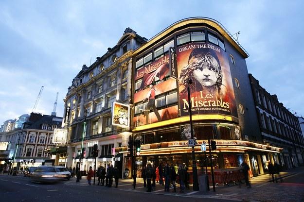 West End - historyczna dzielnica teatrów w Londynie /123/RF PICSEL