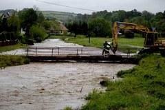 Wezbrana rzeka w Birczy