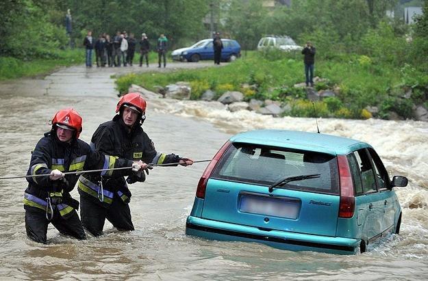 Wezbranej rzeki nie udało się pokonać / Fot: Adrian Gładecki / Tygodnik Podhalański /