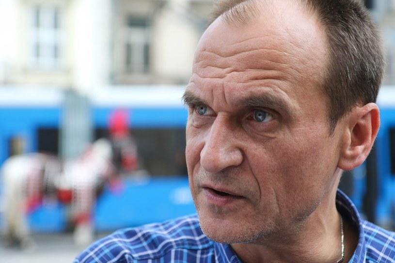 Wg sondażu, Paweł Kukiz może liczyć na nieco ponad 10 proc. poparcia /Jan Graczyński /East News