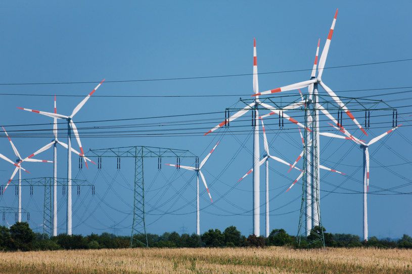 Wiatraki dostarczyły 40 proc. prądu w Polsce /© Glowimages