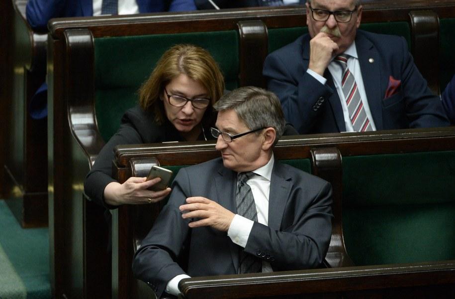 Wicemarszałek Sejmu Beata Mazurek i marszałek Marek Kuchciński / Marcin Obara  /PAP
