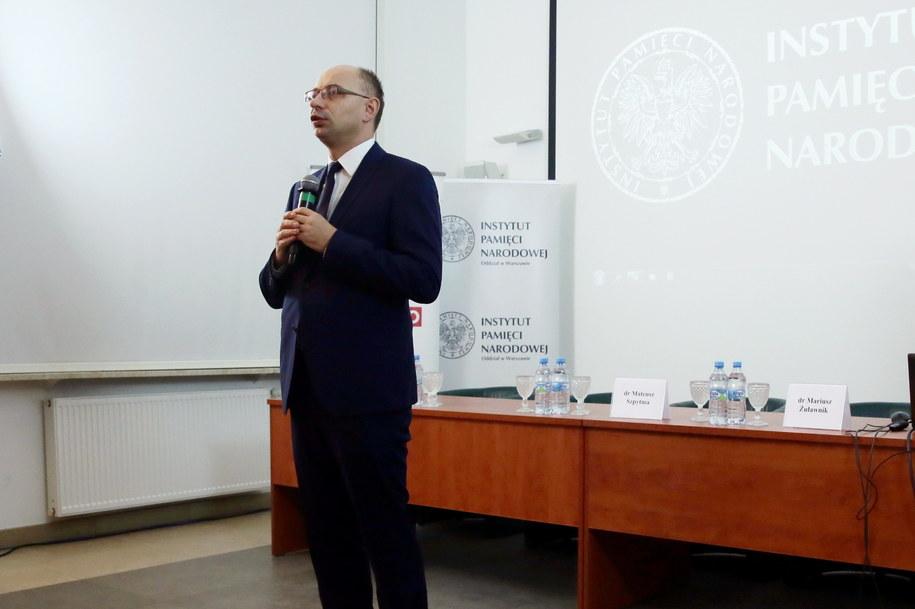 Wiceprezes IPN dr Mateusz Szpytma /PAP/Tomasz Gzell /PAP