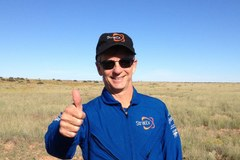 Wiceszef Google'a pobił rekord wysokości w skoku ze spadochronem