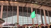 Wichura porwała zadaszenie na lotnisku. Cudem nikt nie został ranny