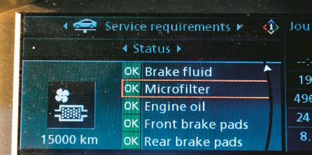 Widok na ekran konsoli centralnej, który wyświetla menu serwisowe. /Motor