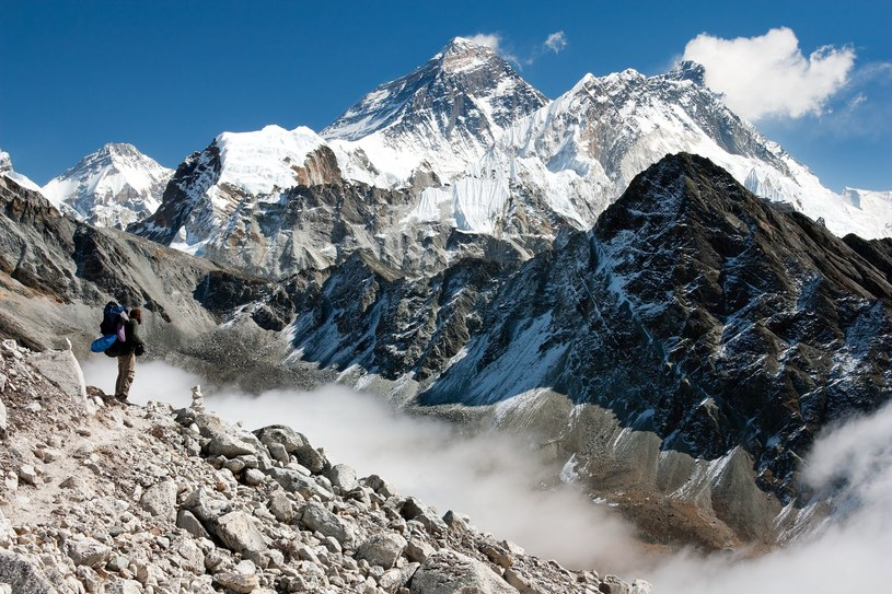 Widok na Mount Everest z Gokyo /123RF/PICSEL