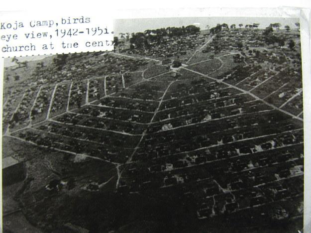 Widok z lotu ptaka na polskie osiedle w Koji, lata 40. XX wieku /Centrum Dokumentacji Zsyłek, Wypędzeń i Przesiedleń Uniwersytetu Pedagogicznego /