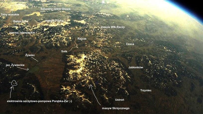 Widok z misji SEBA-9 z zaznaczonymi miejscami w Polsce. Źródło: Tomasz Brol. /Kosmonauta