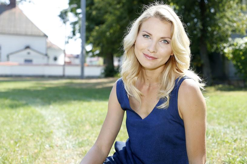 Widzowie mieli mieszane uczucia, kiedy aktorka zastąpiła Julię Pietruchę w roli Sylwii Kubus /Podlewski /AKPA