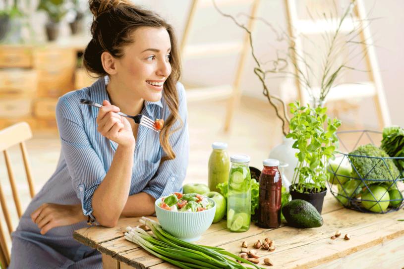 Więcej zielonych warzyw i orzechów, a suplementy z magnezem nie będą potrzebne /©123RF/PICSEL