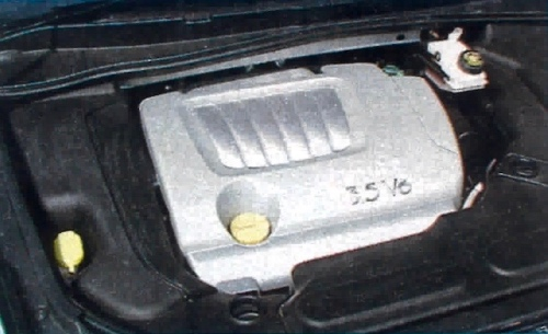 Większość dostępnych silników ma dużą moc. Najmocniejszy, 3.5 V6, ma 241 KM. /Motor