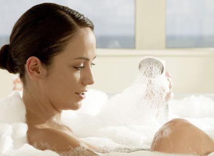 Większość mydeł czy żeli pod prysznic, może mieć zasadowy odczyn pH /© Panthermedia