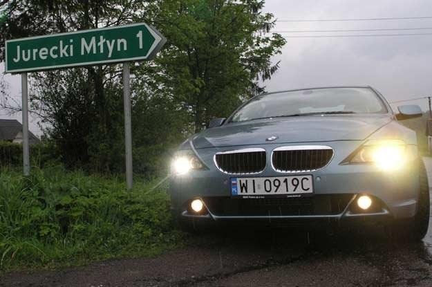 Większość osób woli jeździć w dzień bez świateł /INTERIA.PL
