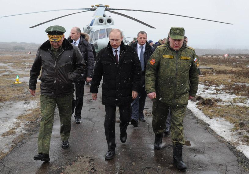 Większość Polaków twierdz, że Rosja nam zagraża /AFP
