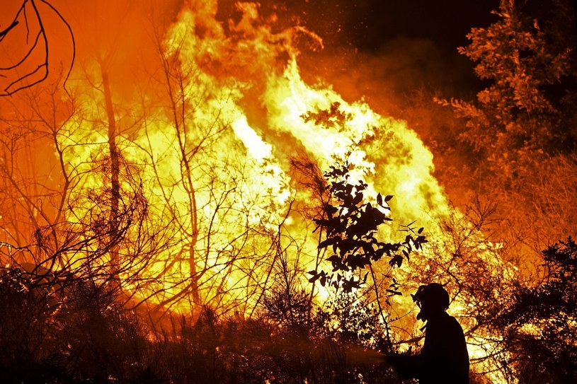 Większość pożarów wynikiem podpalenia /PAP/EPA