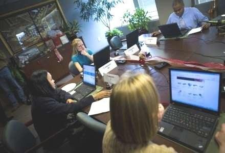 Większość pracowników nie przestrzega zasad bezpieczeństwa informatycznego firm /AFP