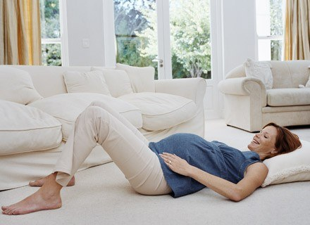Wiele kobiet właśnie w ciąży pierwszy raz w życiu doświadcza bólów kręgosłupa