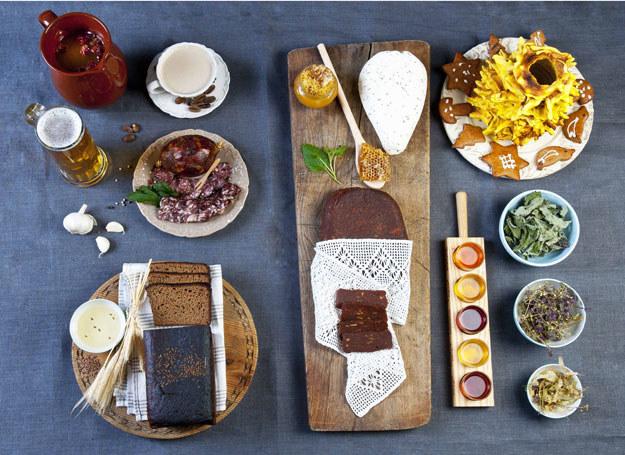 Wiele potraw przygotowuje się w oparciu o lokalne produkty /materiały prasowe
